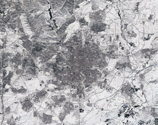 This Copernicus Sentinel-2 image of Madrid in Spain appears to have been taken in black and white. In fact, it is a true-colour image – but the heaviest snowfall in 50 years has blanketed the region, turning the landscape white.