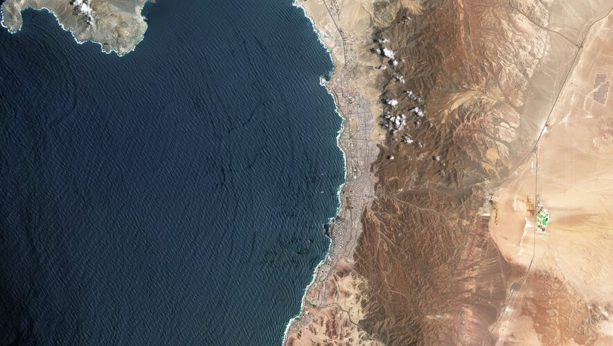 Antofagasta, a port city in northern Chile, is featured in this image captured by the Copernicus Sentinel-2 mission.